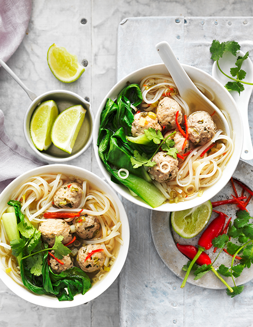 03-light-and-fresh-annette-forrest-food-stylist-spicy-vietnamese-meatball-soup_3695
