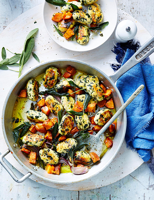06-light-and-fresh-annette-forrest-food-stylist-HL1000C16-Spinach-&-ricotta-gnocchi-with-roasted-pumpkin-&-sage-butter-01-2